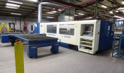 CNC Laser cutting center Trumpf TRUMATIC L 2530, second hand, new in 2006.