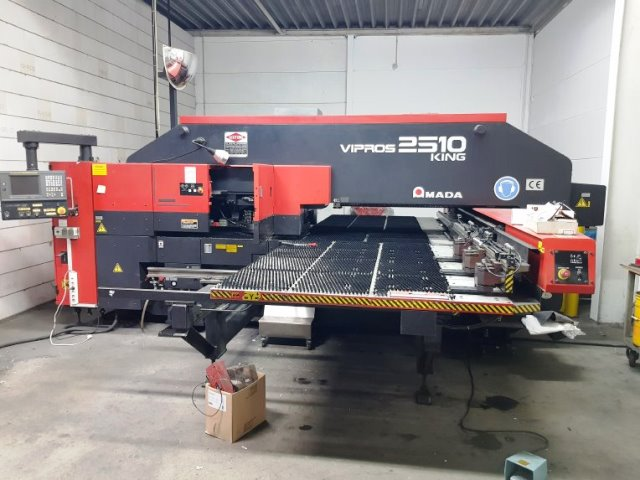CNC Punching machine AMADA Vipros 2510 King, second hand, new in 2000..